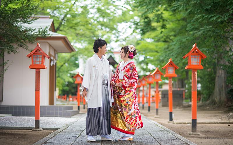 ロケ神社和装2人